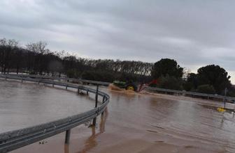 Eskişehir tren seferlerine yağış engeli