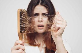 Saçınız çok dökülüyorsa E,B,D vitamini, kepek varsa A vitamini eksik