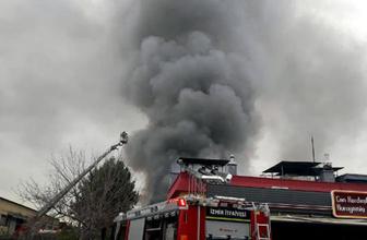 İzmir'de dumanlar yükseldi: Fabrikada korkutan yangın!
