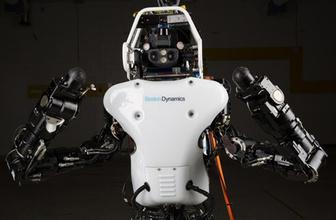 Uçan ve yürüyen iki ayaklı robot geliştirildi