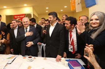 Binali Yıldırım Başakşehir'de seçim ofisini ziyaret etti