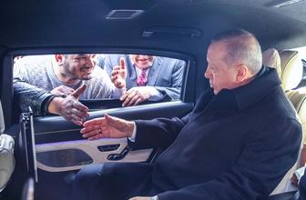 Cumhurbaşkanı Erdoğan minibüsçüleri görünce sohbet etti!