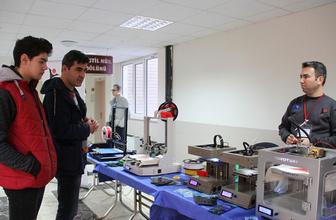 Liseliler 3D yazıcı tasarladı tekstil ürünü yaptı