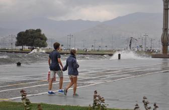 Antalya, İzmir ve Muğla için meteorolojiden son dakika fırtına uyarısı