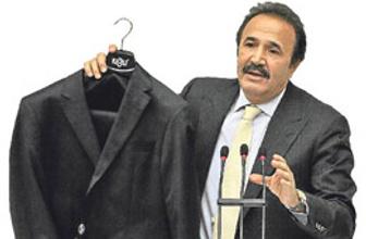 Siyasete bulaşan ceket sahipsiz kaldı