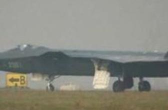 Çin yapımı ilk 'hayalet uçak' havalandı