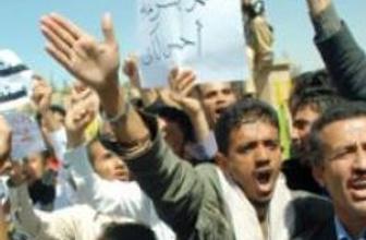 Yemen'de protestolar büyüyor
