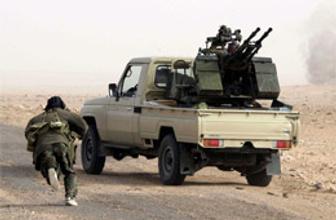 Kaddafi Zaviye'de katliama başladı