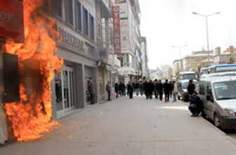 Veto protestosunda korkulan oldu!