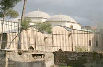 1100 yıllık cami Ramazan'a yetişiyor