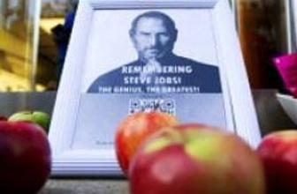 Steve Jobs: Hem sır küpü, hem efsane