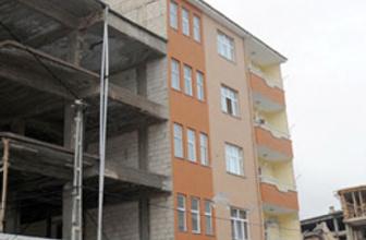Van Erciş'teki bu iki bina 'pes' dedirtti