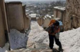 Afganistan'da 40 çocuk donarak öldü