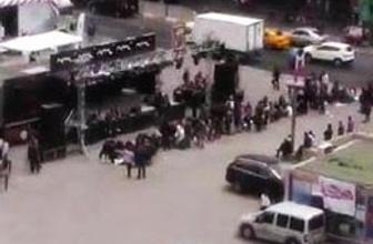 Taksim'deki kuyruk gittikçe uzuyor