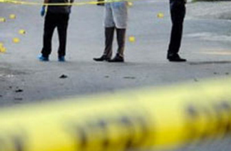 Beyoğlu'nda otomobile ses bombası