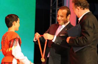 Türkçe Olimpiyatların'nı sallayan çocuk