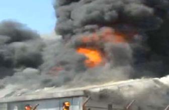 Mobilya fabrikasında yangın paniği