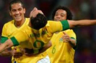 Brezilya ve Meksika finalde buluşuyor