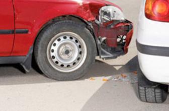 Trafik kazası geçiren şoför olay çıkarttı