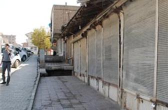 Şemdinli bu kez PKK'ya kepenk kapattı