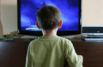 Televizyonun çocuklara etkisi büyük