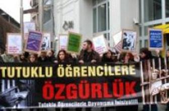 Türkiye'de yüzlerce öğrenci tutuklu yargılanıyor