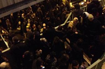 Metrobüslerde inanılmaz rezillik