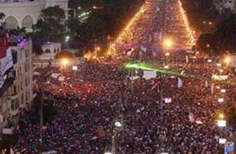 Mısır karıştı: 3 ölü 174 yaralı!