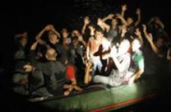Bodrum açıklarında göçmen teknesi 'battı'