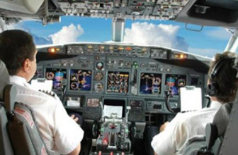Türk pilotlar için flaş açıklama!
