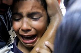 Annesi katledilen Mısırlı çocuğun feryadı