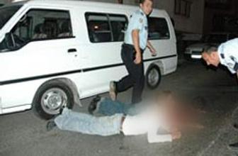 Cami hırsızını polis fena enseledi