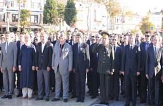Tuzla, Atatürk'ü Saygıyla Andı