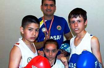 Kayışdağı Sporlu boksörlerden 3 madalya