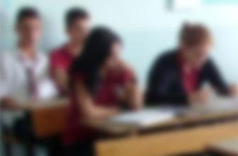 Öğrencisi öğretmenin burnunu kırdı!