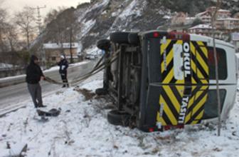 TIR ile yolcu minibüsü çarpıştı