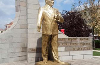 Ankara'da Atatürk heykeline çirkin saldırı