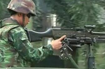 Tayland ordusu gösterilere karşı teyakkuzda