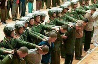 Çin'de 13 Uygur Türk'ü idam edildi!