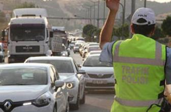 Seçim trafiği yolları kilitledi