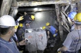 Türkiye Ermenek'teki madencilerin cenaze törenine ağladı