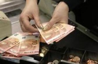Euro, dolar karşısında 9 yılın en düşüğünü gördü