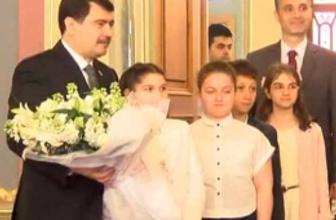 Vali Vasip Şahin 23 Nisan geleneğini bozdu
