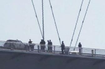 Köprüde intihar krizi! Trafik felç!