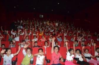 Sinema şenliğinde 10 bin çocuk