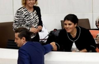 Faruk Çelik Öcalan'ın yüzüne bakmadı mı?