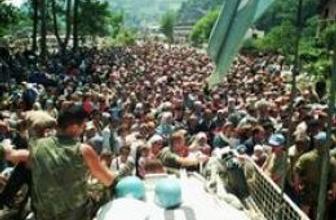 Hollandalı bakan: Srebrenitsa katliamı önlenebillirdi