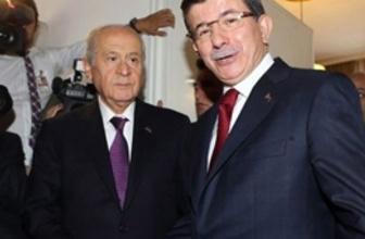 Davutoğlu ve Bahçeli koalisyon için oturacak!