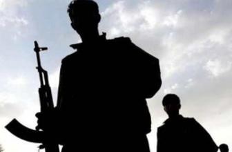 Silvan'da PKK'lar polise ateş açtı