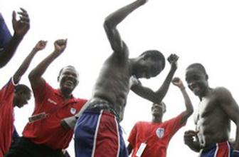 Futbolcular kayıplara karıştı